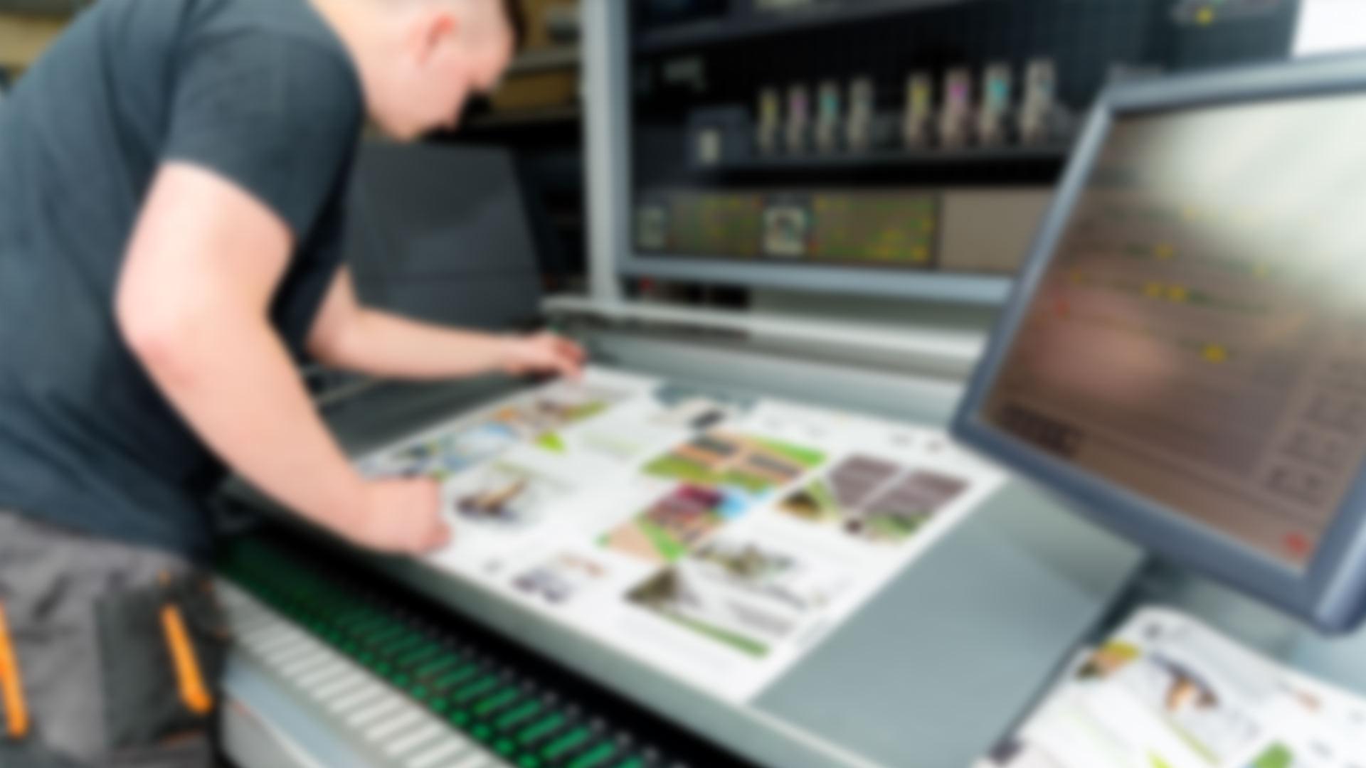 ss-home-1-desktop-blur-only-bg